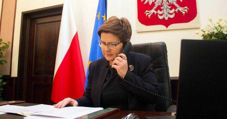 Była premier na Twitterze pozdrawia ciepło. Jest szczera? · Wieści24.pl