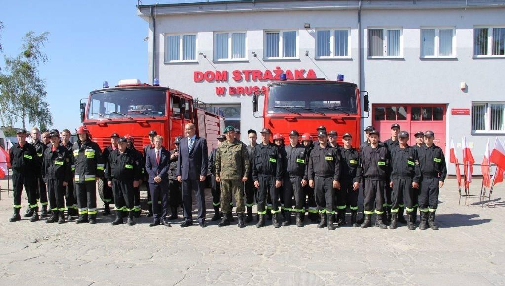 MON zalicza ogromną wpadkę. Podarowali zepsute wozy strażakom 1