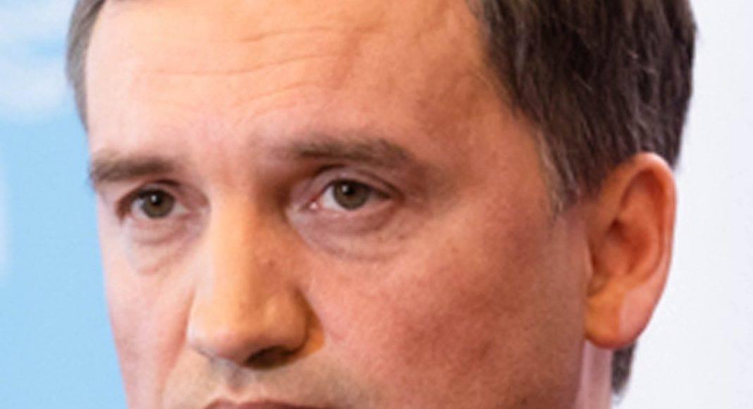 Prokuratura niszczy materiały dowodowe obciążające ekipę Ziobry? Znikają zarchiwizowane treści rozmów 1