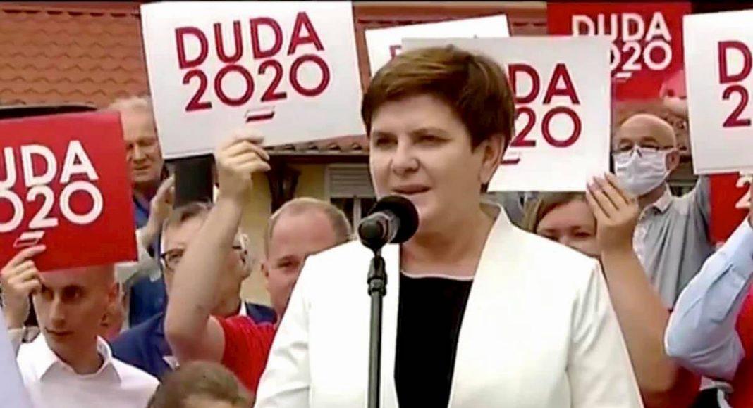 Beata Szydło nieporadnie dementuje pogłoski o tworzeniu nowej partii: Nigdzie się z PiS nie wybieram 1