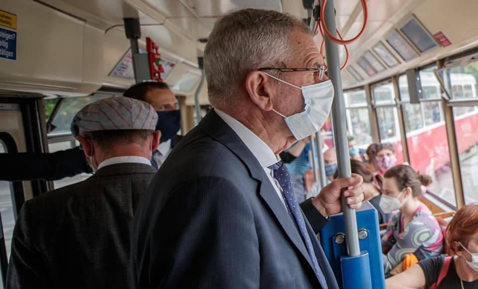 Tak prezydent Austrii jeździ do pracy. A czego boją się Duda i Kaczyński? 1