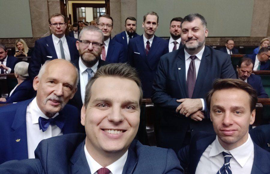 """Partia KORWiN: w pełni popieramy protest """"Media bez wyboru"""" 1"""