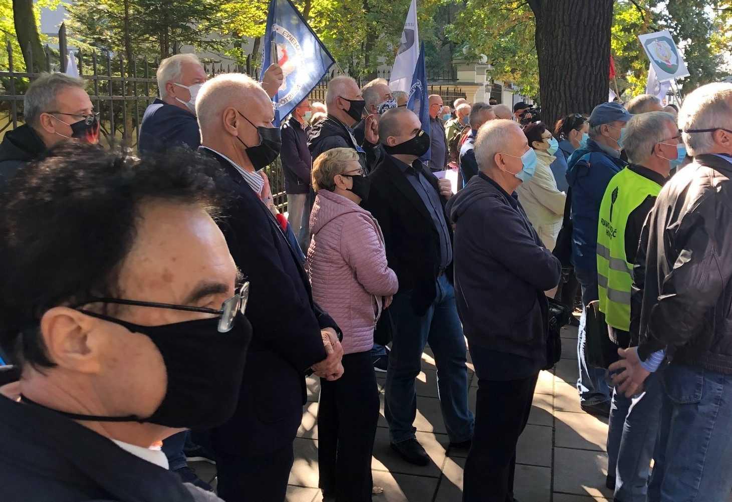 Protest poszkodowanych ustawą represyjną przed Trybunałem Konstytucyjnym 6