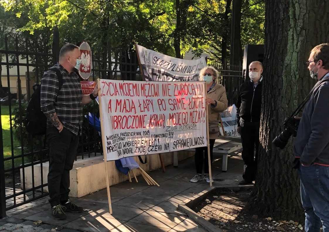 Protest poszkodowanych ustawą represyjną przed Trybunałem Konstytucyjnym 5