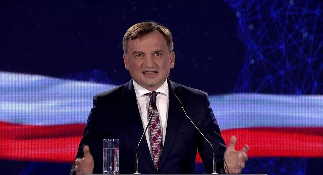 Ziobro wyprowadza Polskę z Europy. Tak jawnie antyunijnego wystąpienia polskich władz jeszcze nie było 1