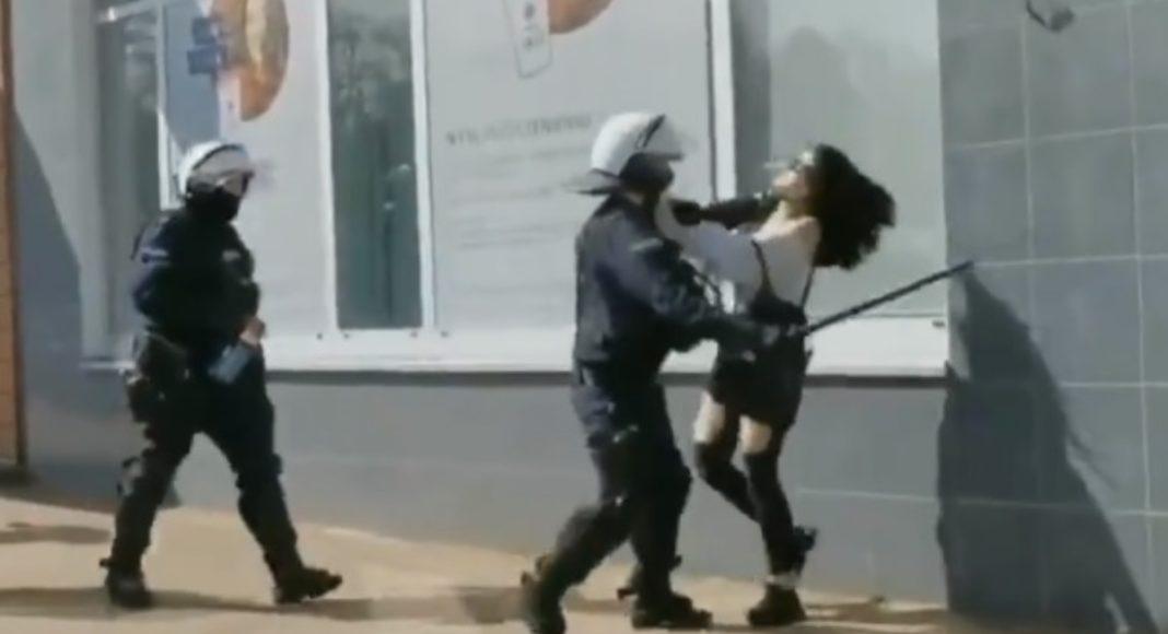 Komendant Główny Policji przekonuje, że policjanci nie bili kobiet. To co widziała cała Polska? 1
