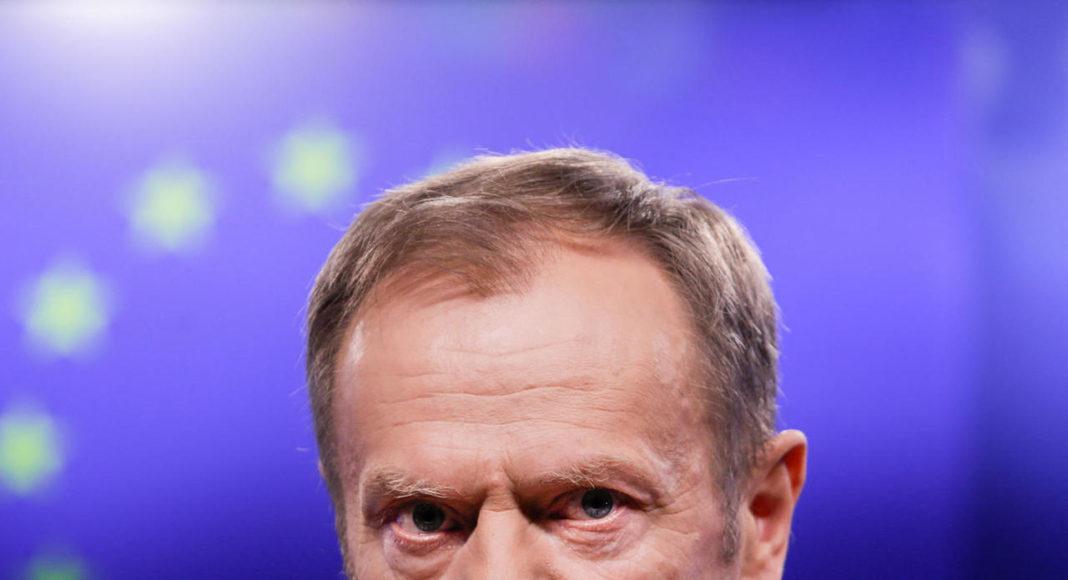 Trwa kampania wymierzona w Tuska. Kłamliwe sondaże, fałszywe informacje 1