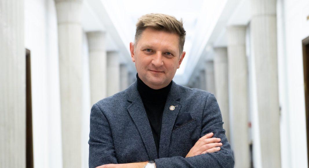 Kolejne środowiska stają w obronie Andrzeja Rozenka. Nadzieja Lewicy z dużym poparciem 1
